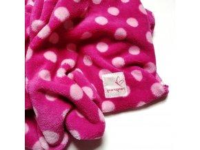 Muchlací deka růžová s puntíky