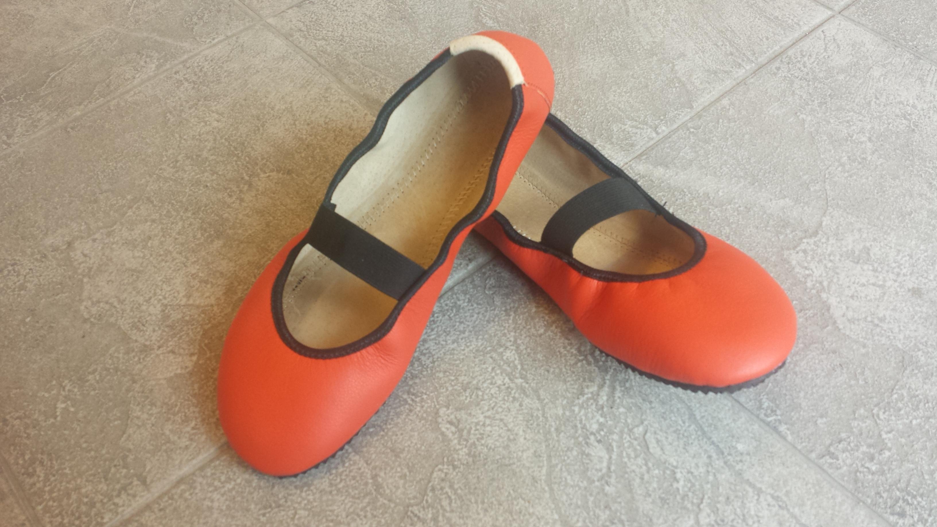 Baleríny Amelíny s páskem oranžové Velikost: 41