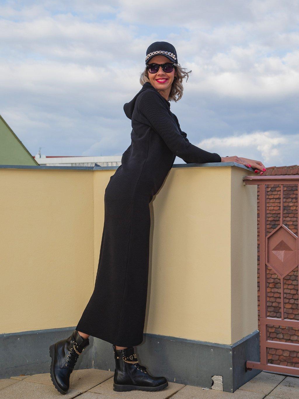 Luxusní šaty s dlouhým rukávem a kapucí Patte Extend, černé