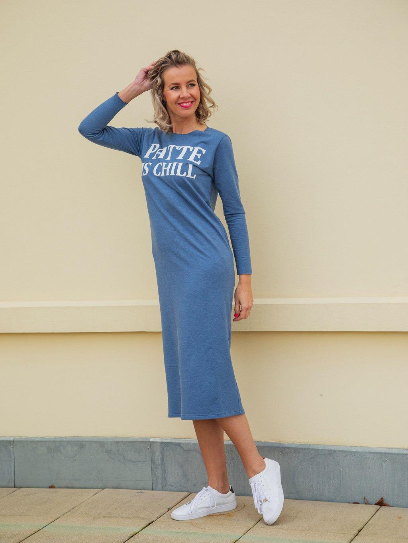 Teplákové šaty Patte Expresive Chill, modré