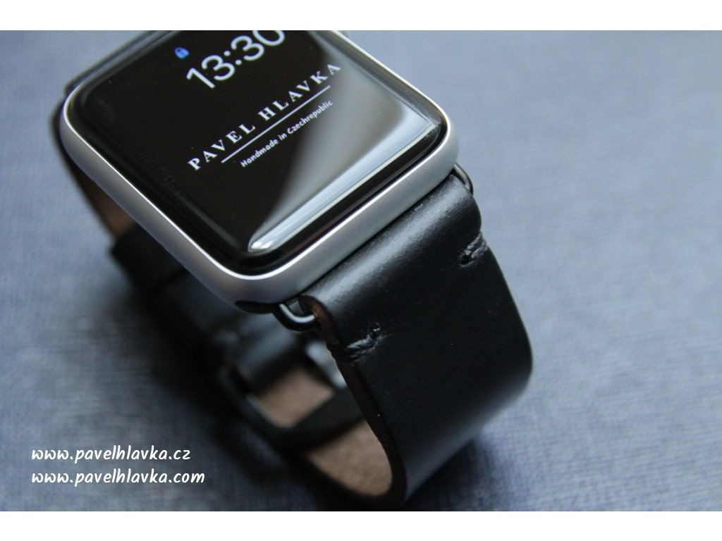 Ručně šitý kožený řemínek pásek apple watch ruční práce Horween chromexcel černý