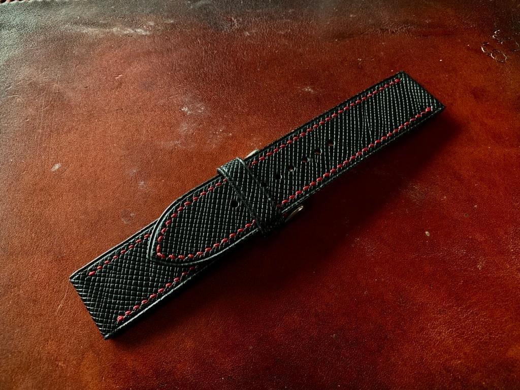 Kožený řemínek Apple Watch prošívaný - Epsom Černý