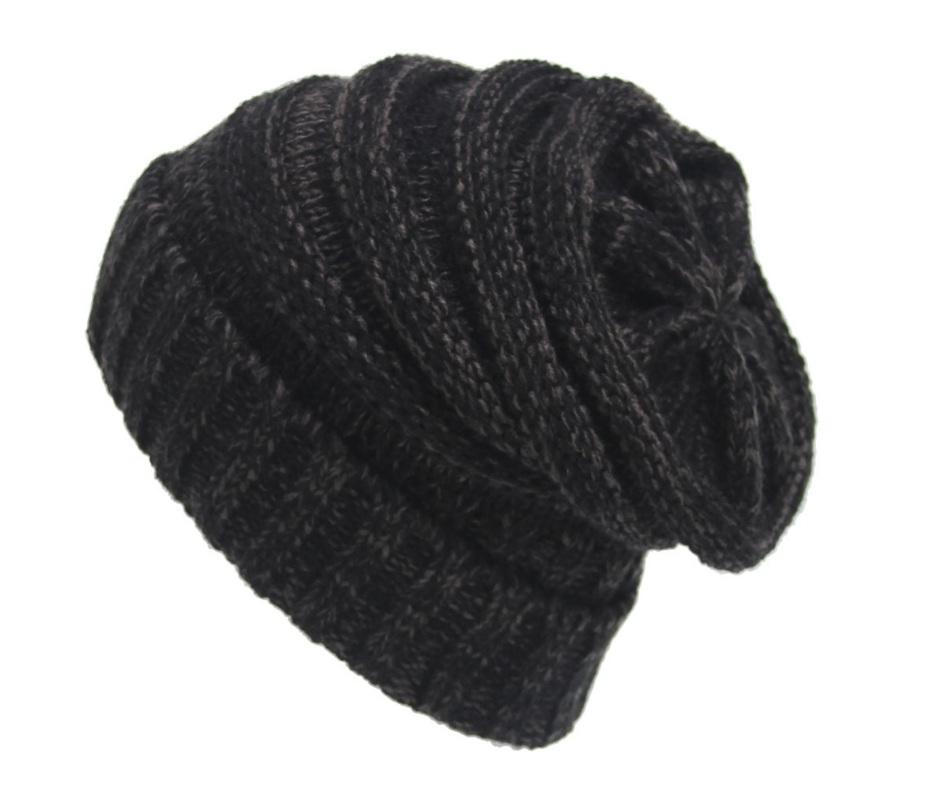 36d56bbeb6f Dámská zimní čepice Iris black