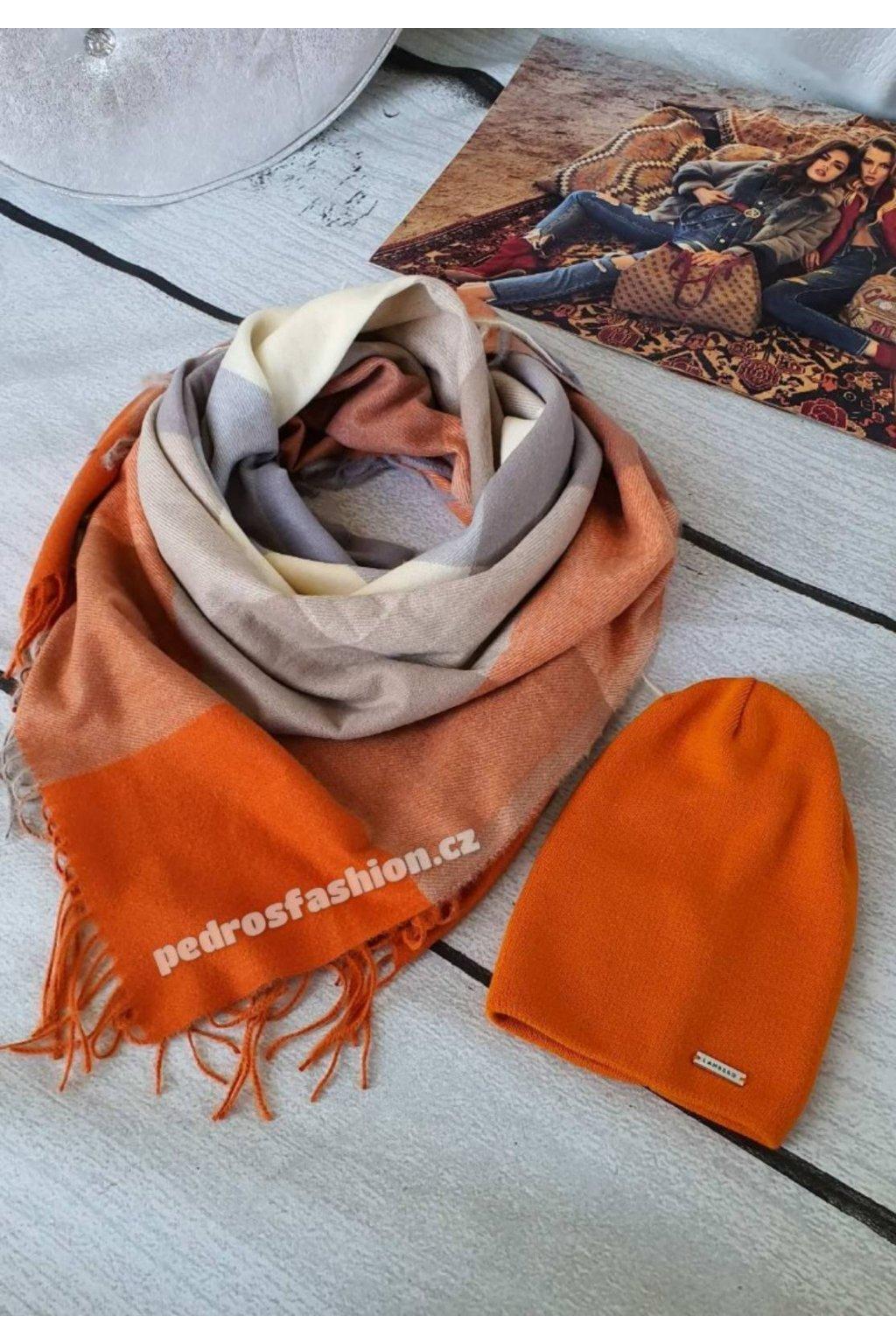 Sladěný set čepice a šátku v oranzovo -béžové kombinaci