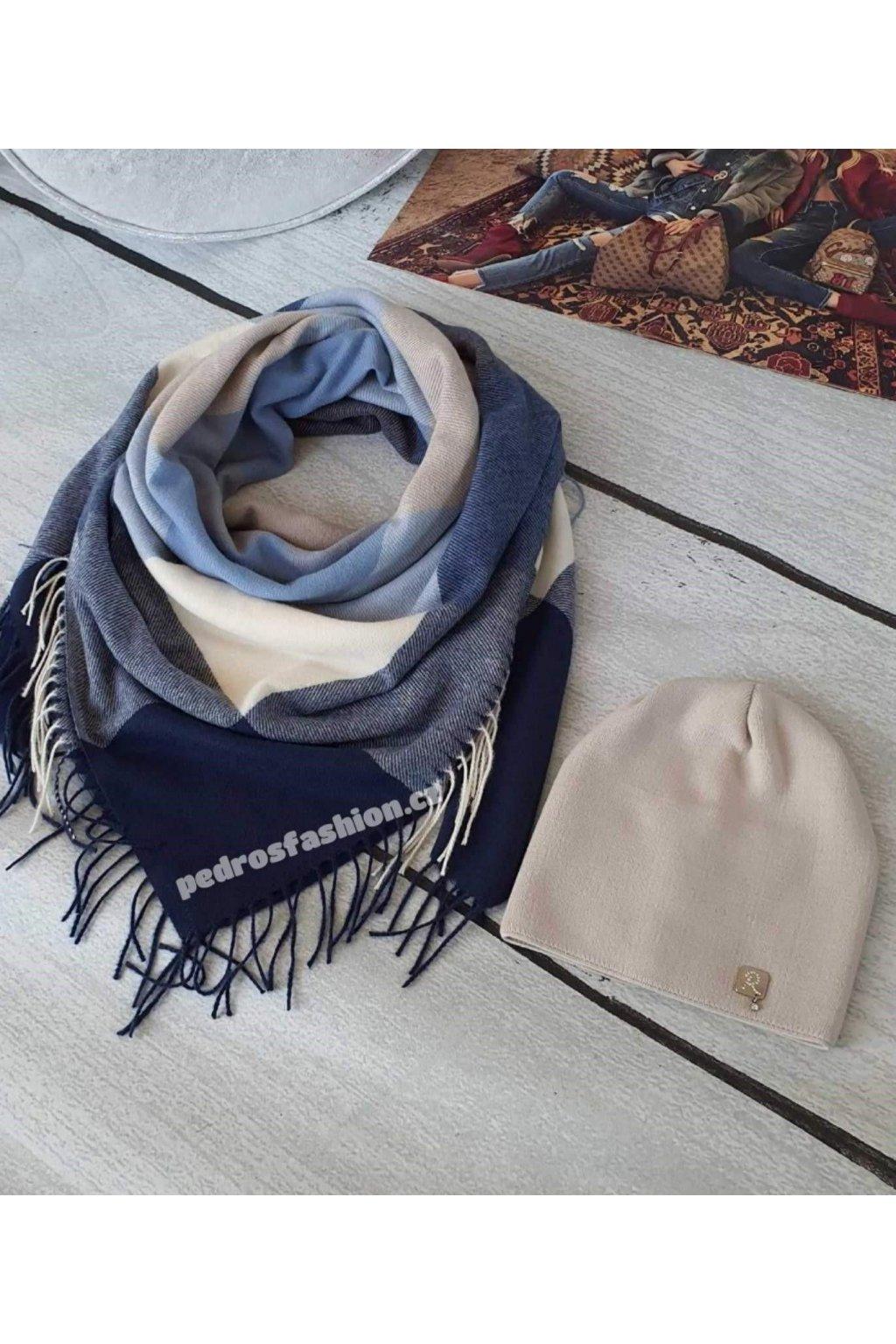 Sladěný set čepice a šátku v kombinaci modré a béžové barvy