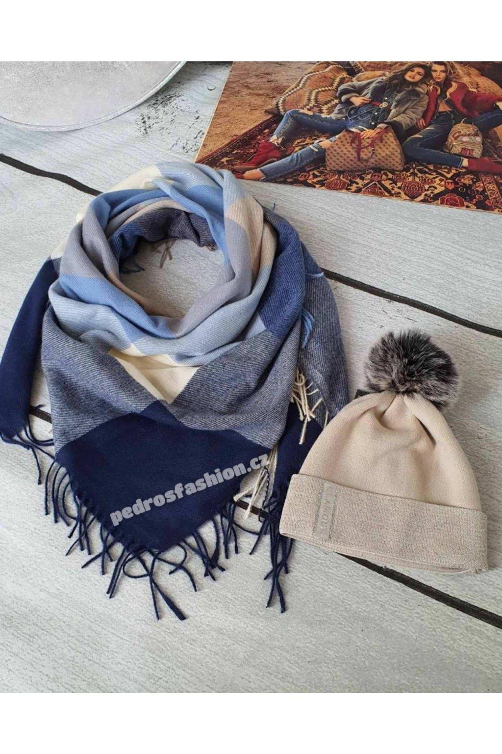 Sladěný set čepice a šátku v kombinaci modré a béžové barvy 2