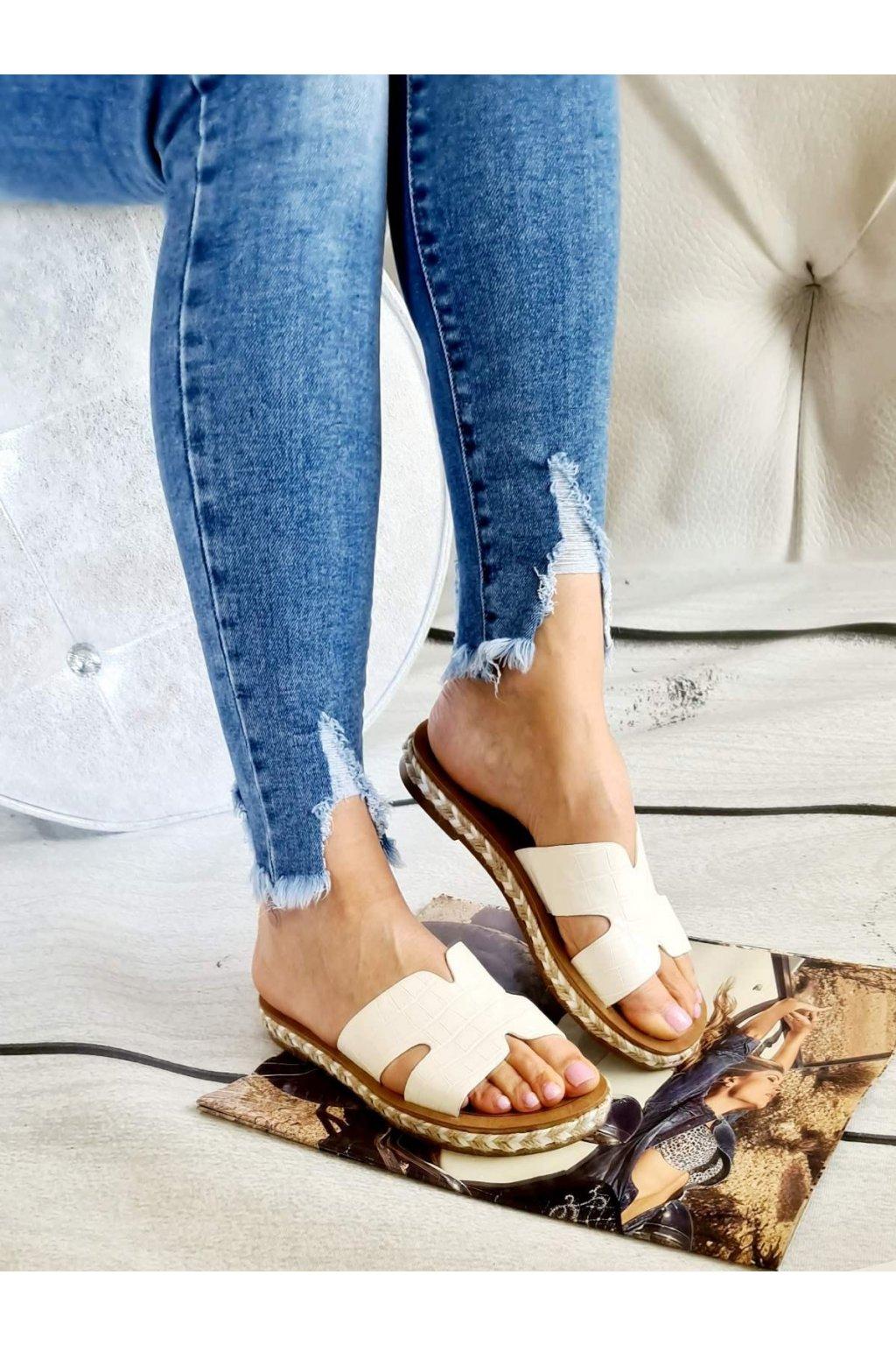 Pantofle Jaris bílé letní trendy