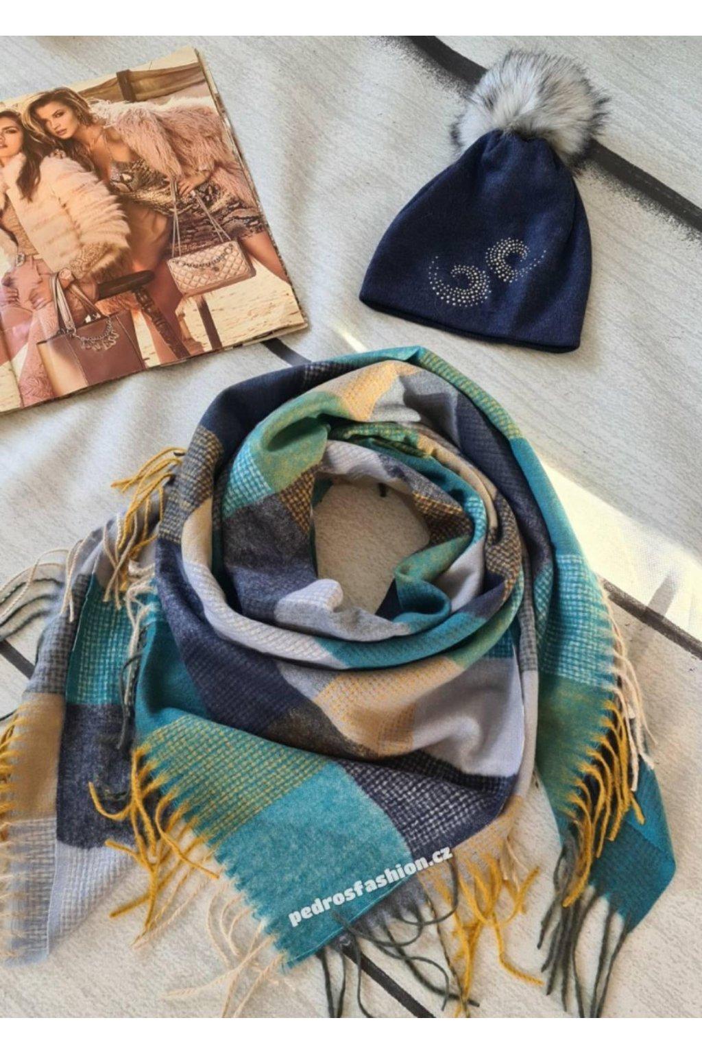 sladěný set kulich a šátku dokonalý dárek v modré