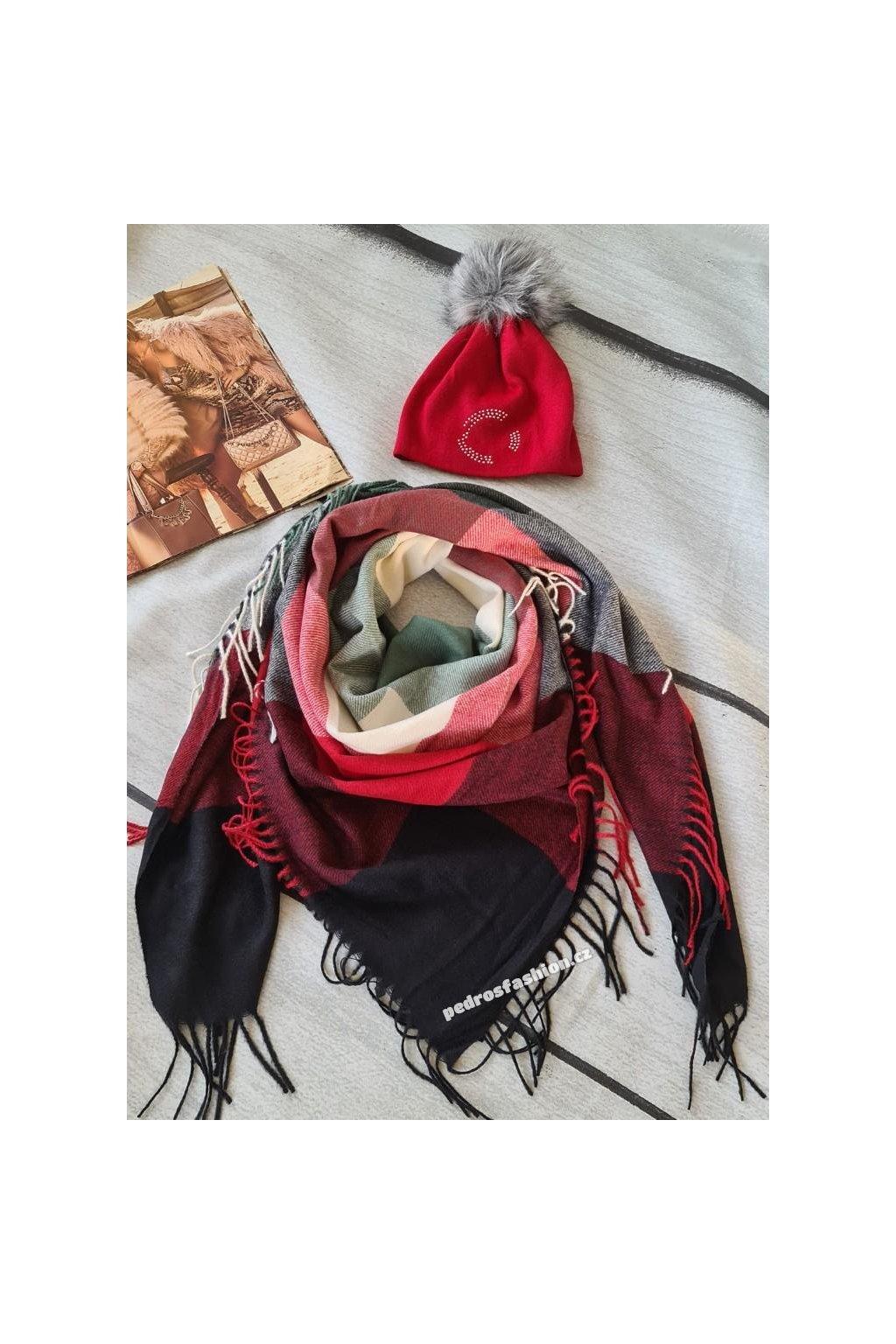 sladěný set čepice a šátku dokonalý dárek v bordó barvě