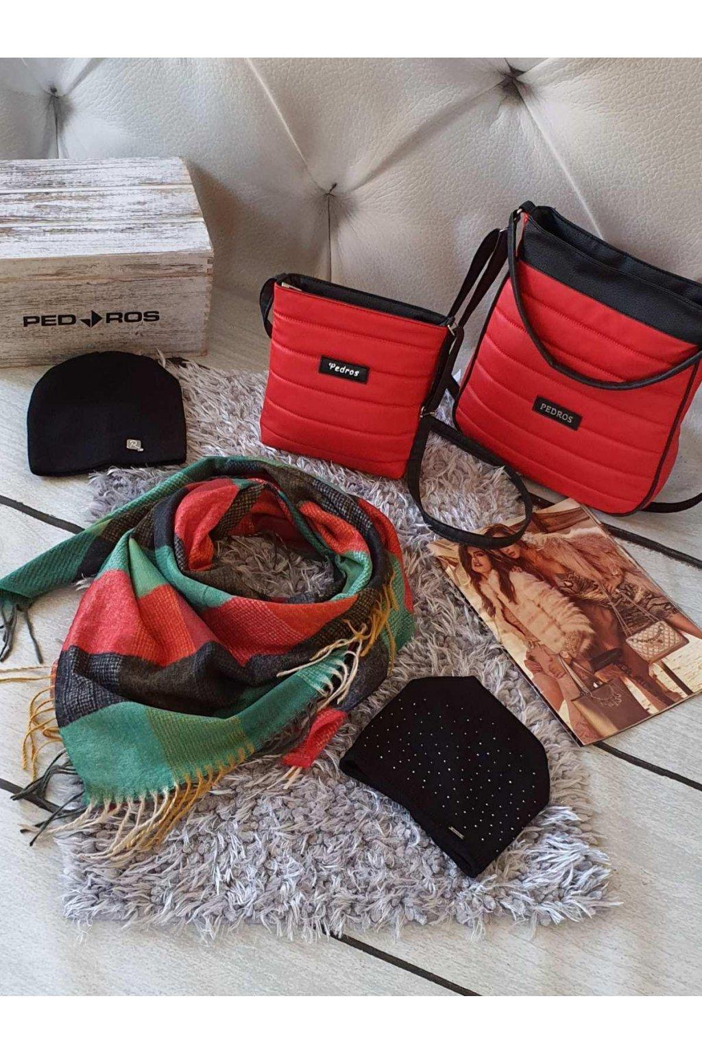 sladěný set kabelek a šátku s čepicí červený