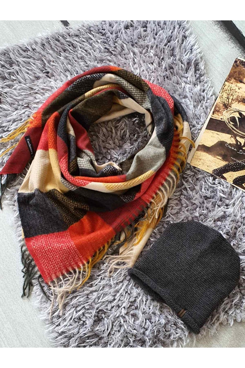 sladěný set čepice a maxi šátku červenožluté tip na dárek k vánocům