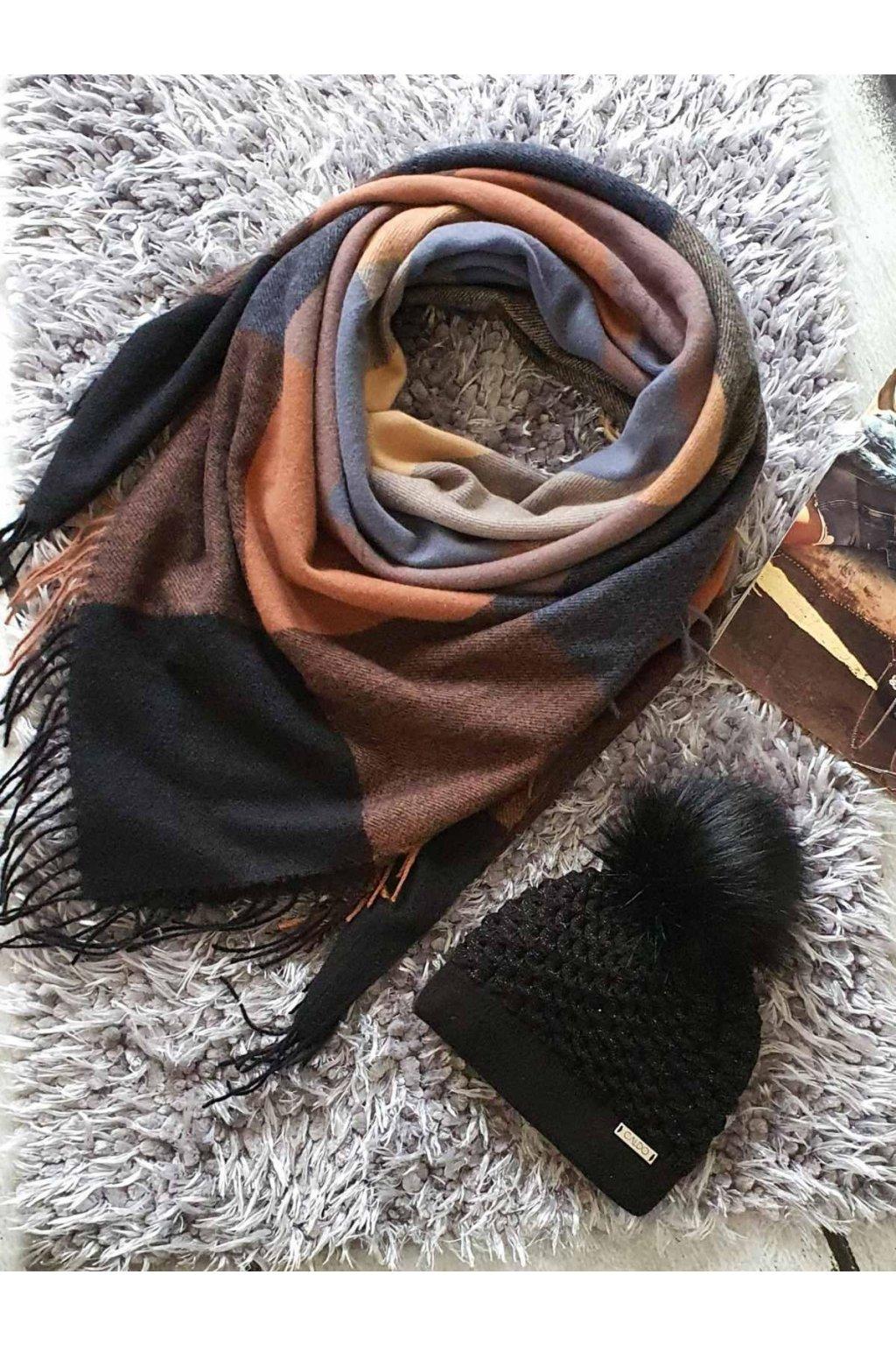 sladěný set čepice a šátku v černohnědé barvě tip na vánoční dárek