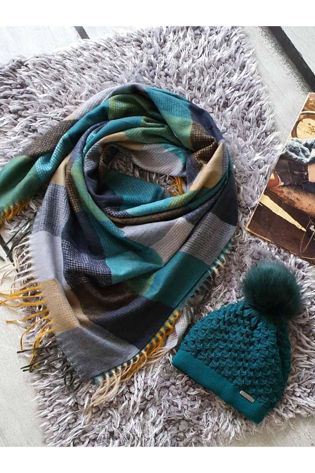 sladěný set čepice a šátku v modropetrolej barvě tip na vánoční dárek
