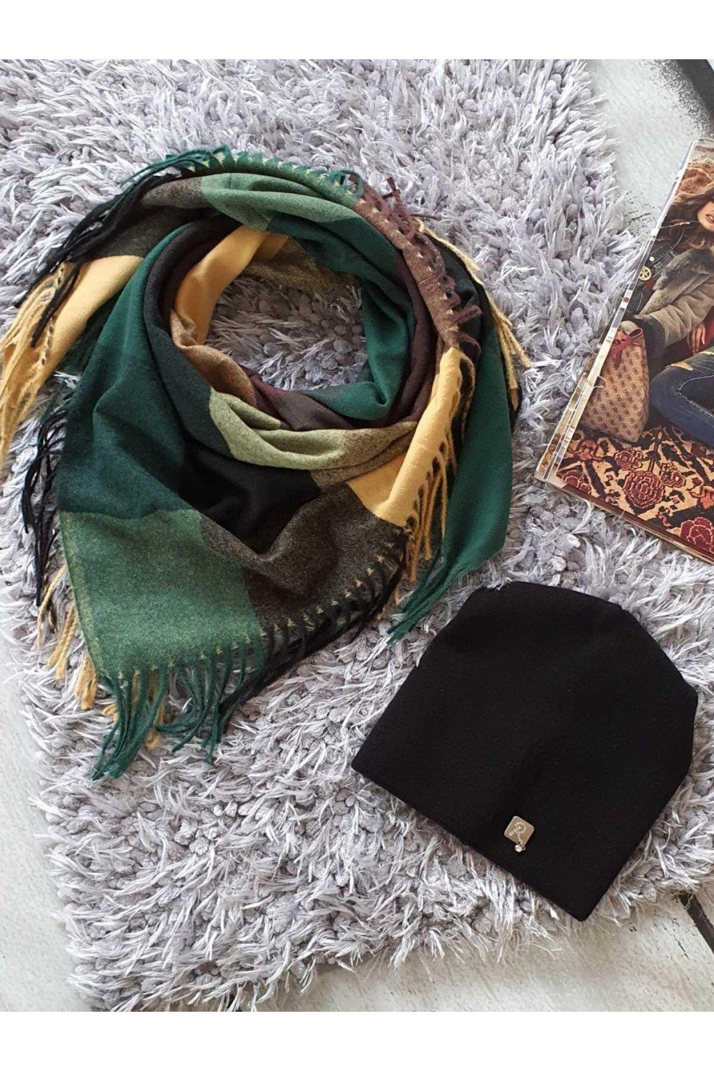 sladěný set čepice a šátku v zelenočerné tip na dárek k vánocům pro ženy a dívky