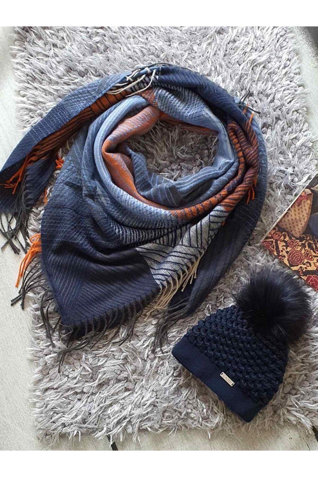 sladěný set čepice a šátku laděný do modra tip na dárek k vánocům