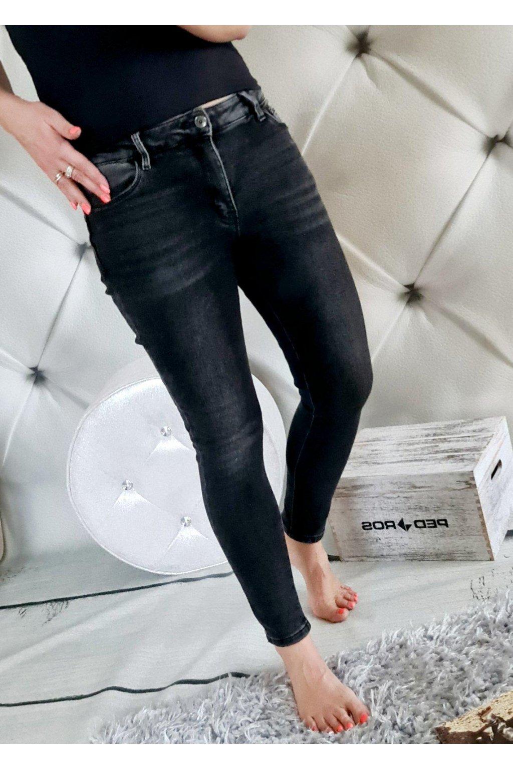 jeans ČERNÉ elastic push upp efect příjemné elastické