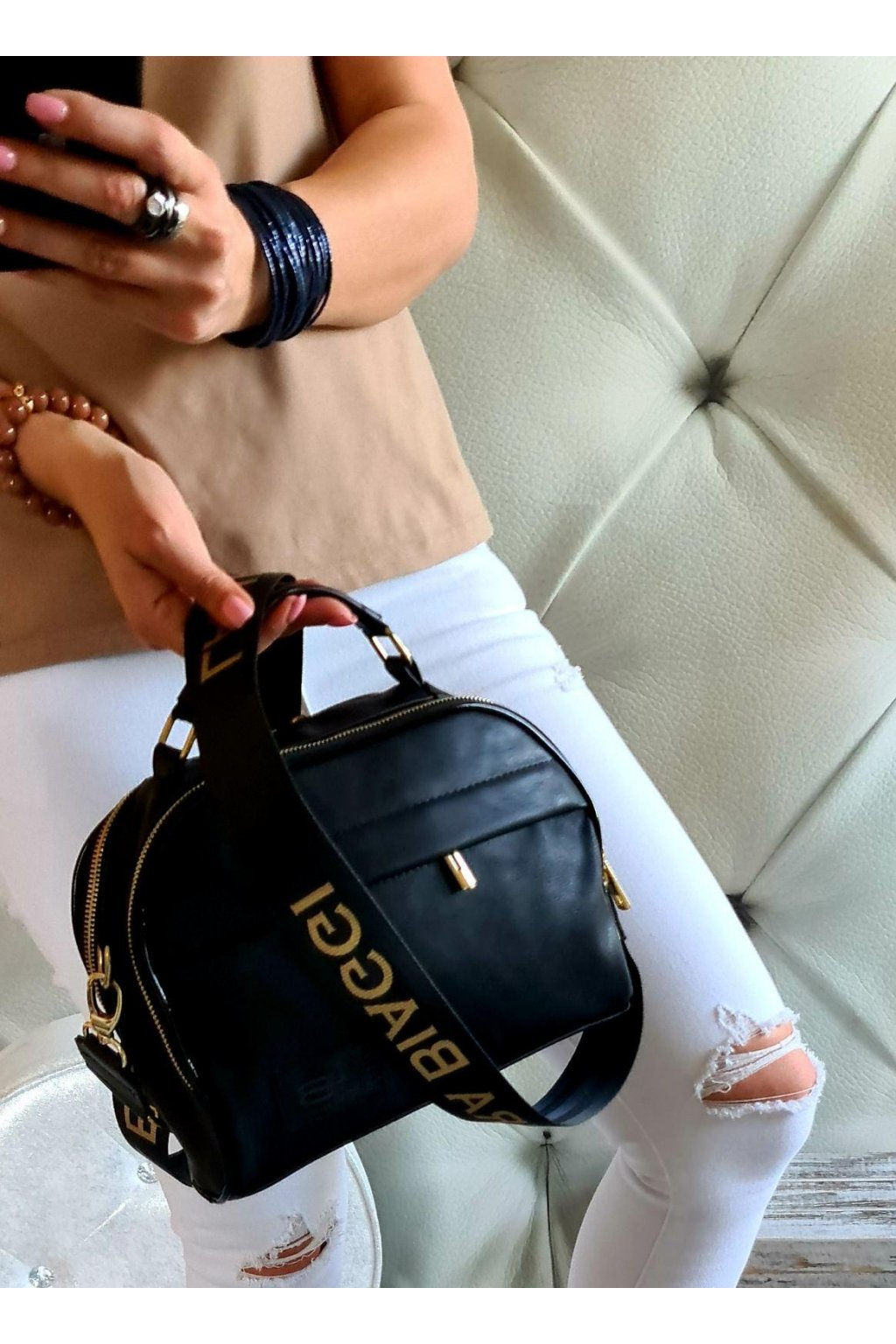 crossbody kufřík laura biaggi černá barva trendy
