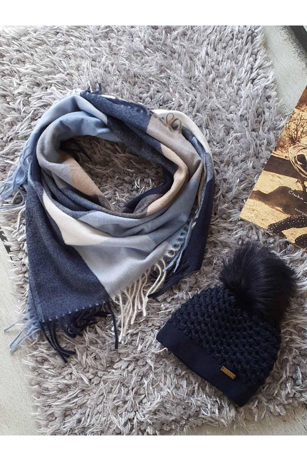 sladěný set čepice a šátku tip na dárek do modré barvy