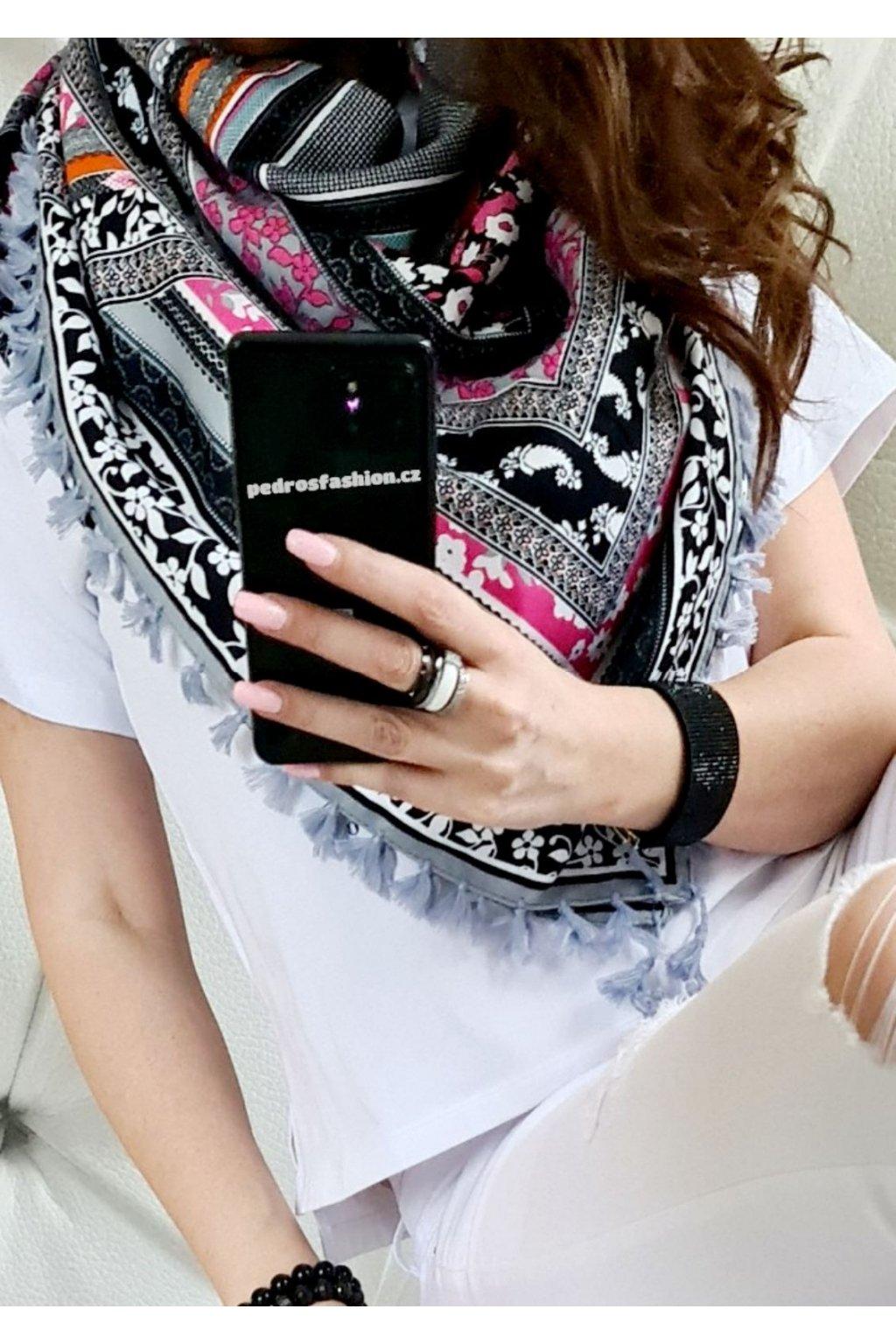sefaris šátek šedá barva slabší materiál trendy tip na dárek