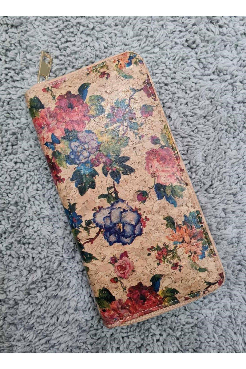 Korková peněženka penálek kvetinový vzor