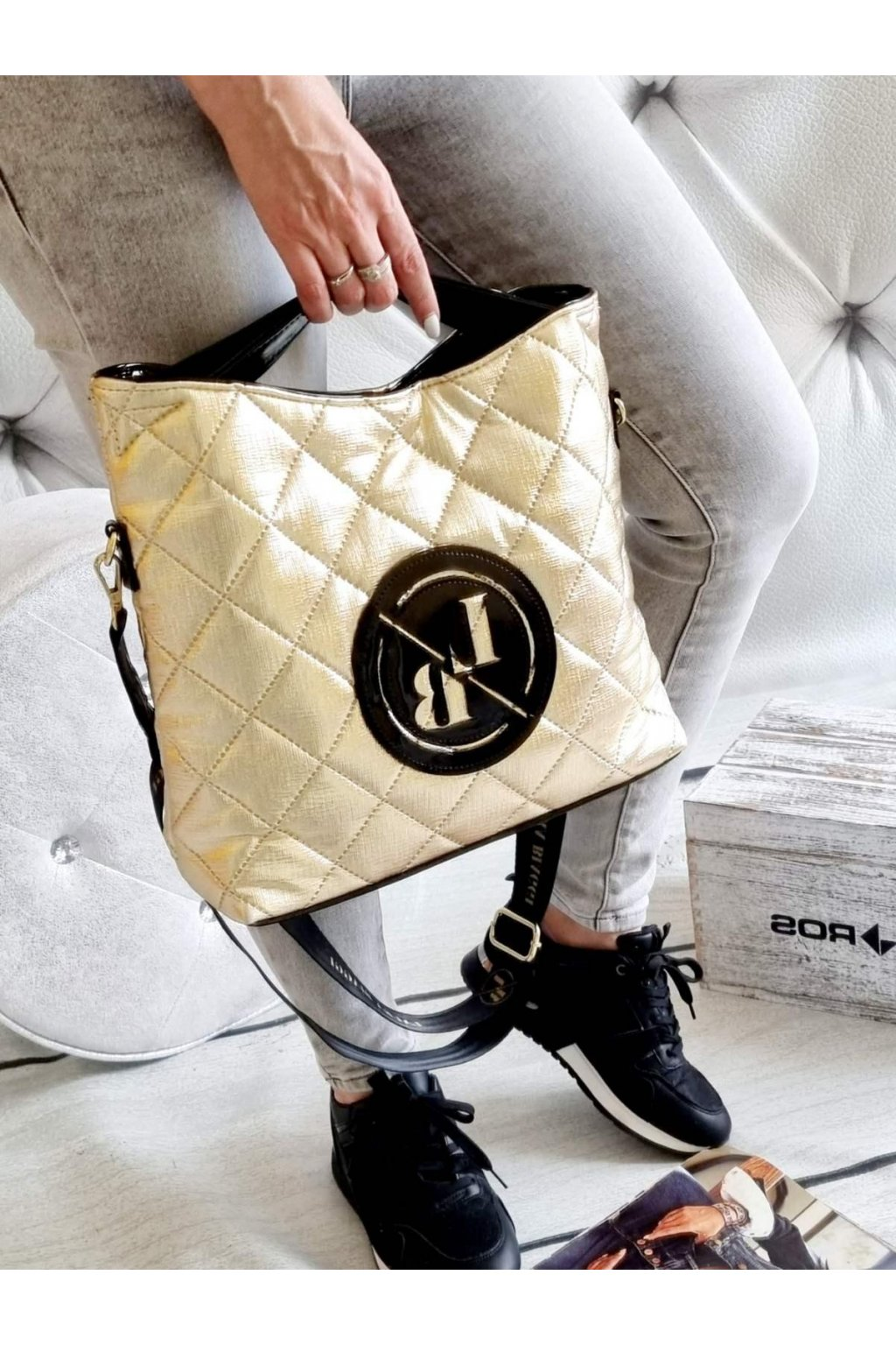 laura biaggi kabelka trendy značková luxusní kabelka zlatá