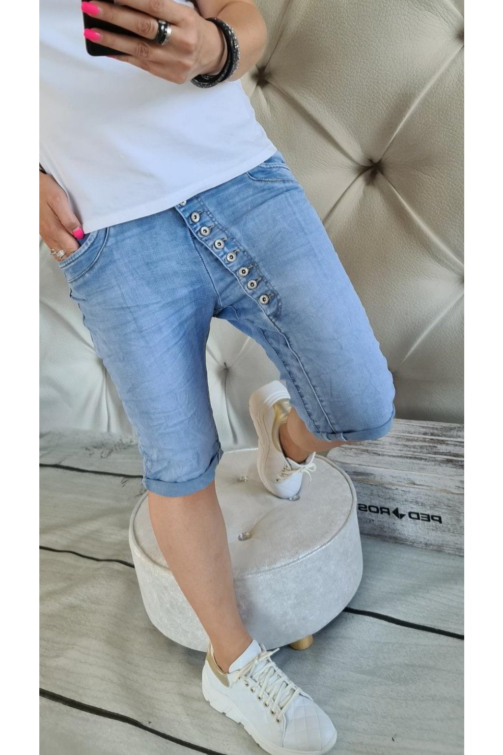 Dámské džínové kraťasy pod kolena