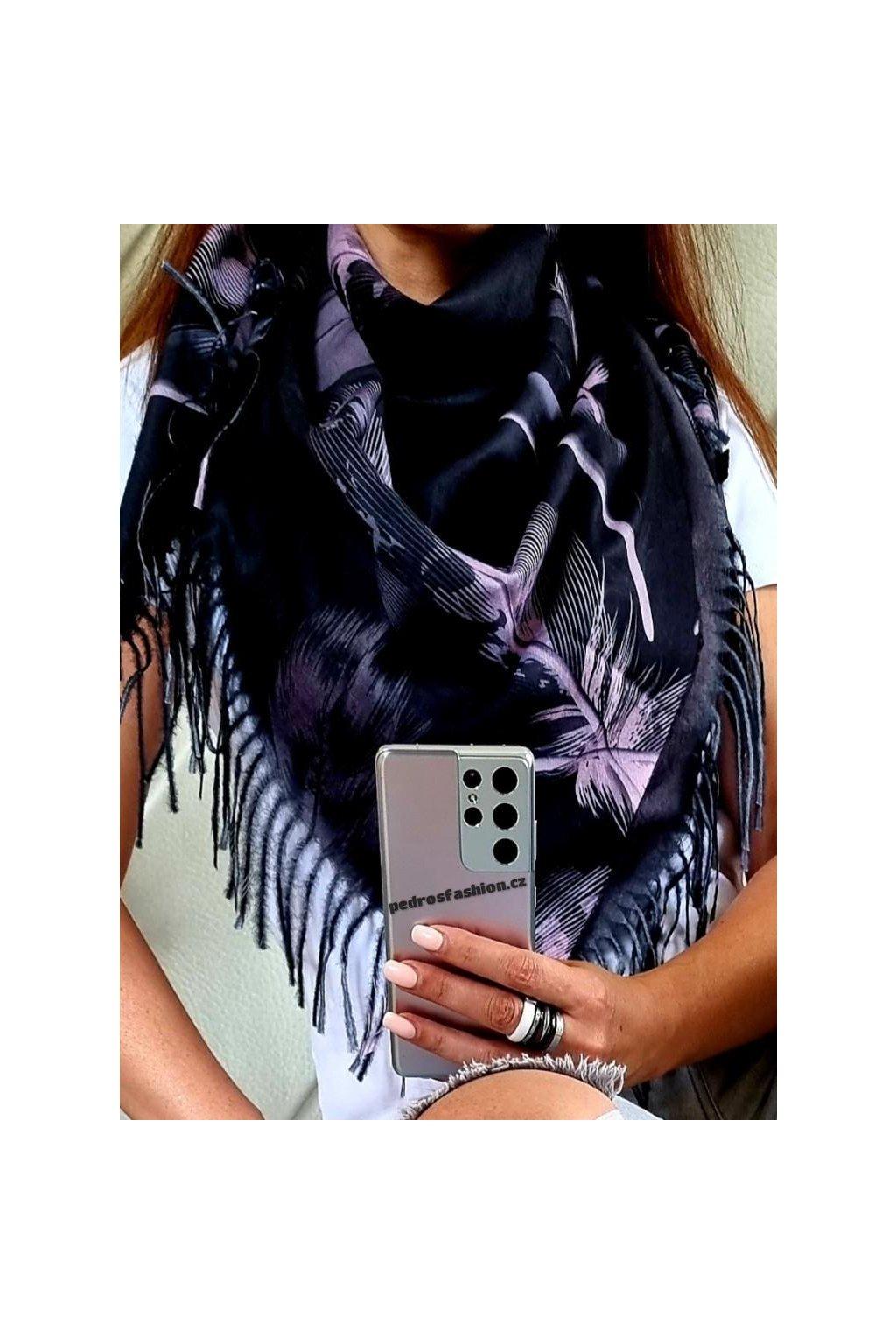šátek trendy kašmír potisk peří černý