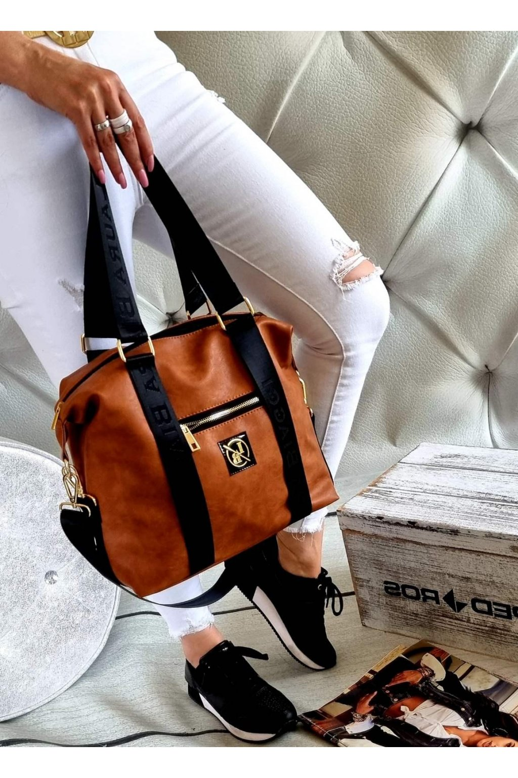 kabelka Laura Biaggi koňak fashion trendy luxusní kabelka