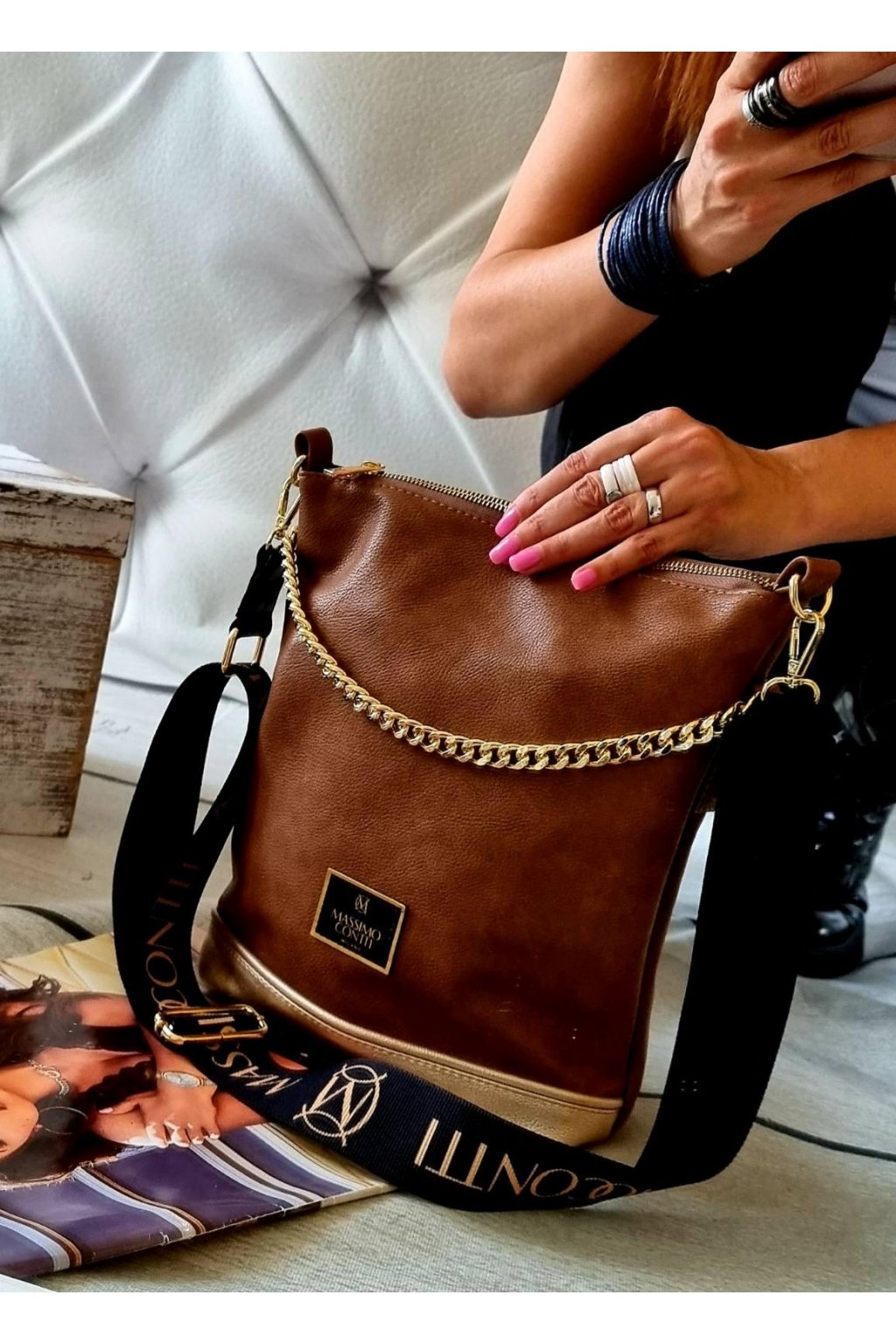 kabelka Massimo Contti odlehčená luxusní kabelka crossbody s řetězem hnědá