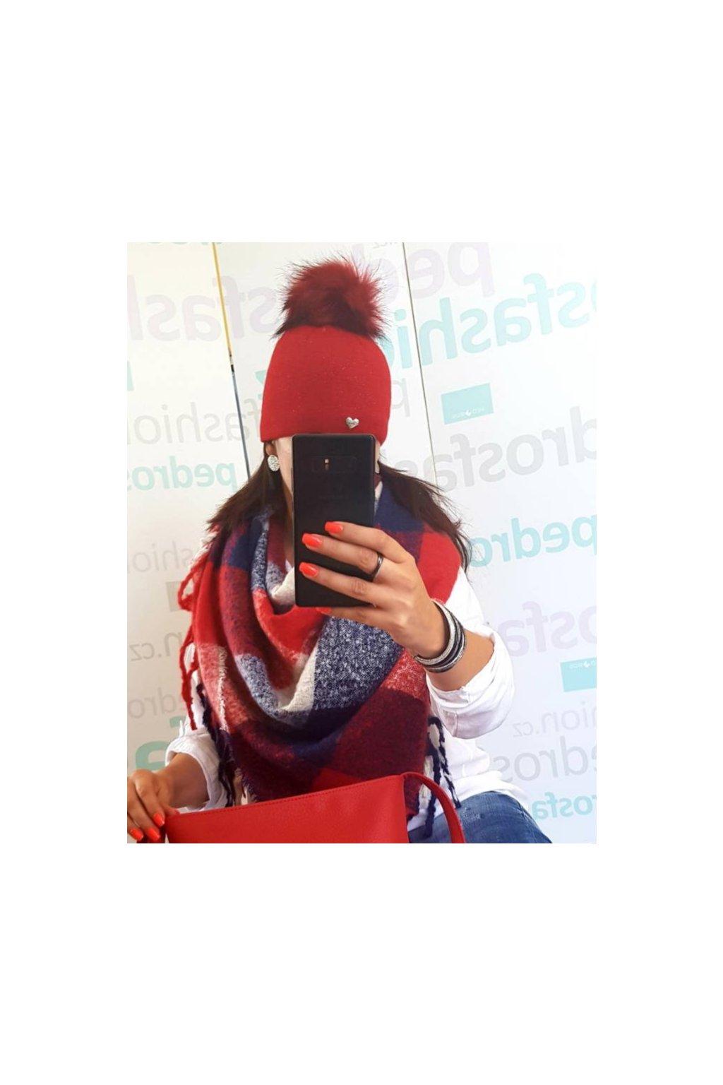 Čepice Betania červená