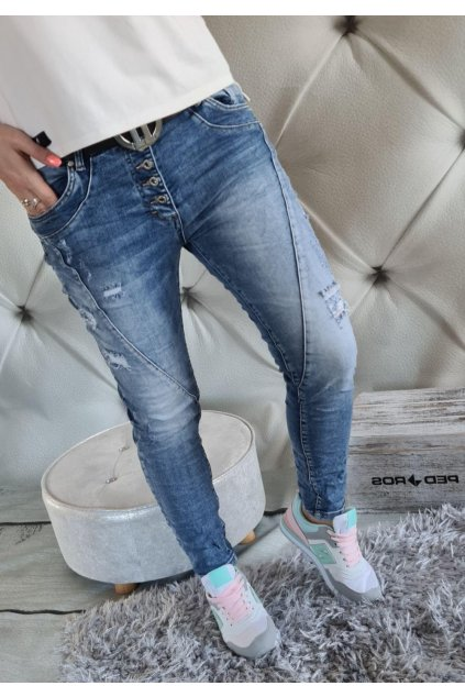 jeans modré trhané boyfriendy