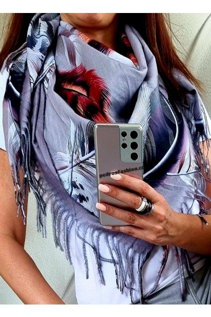 šátek trendy kašmír potisk peří šedý
