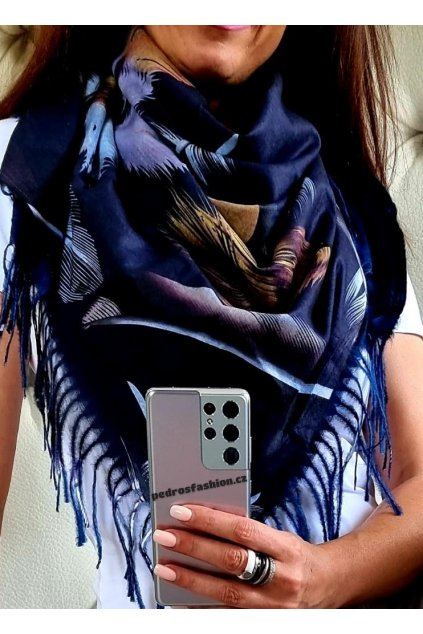 šátek trendy kašmír potisk peří modrý