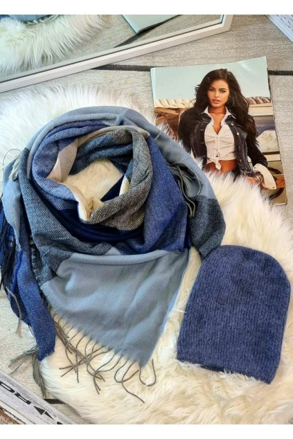 sladěný set čepice a šátku do modré barvy tip na dárek
