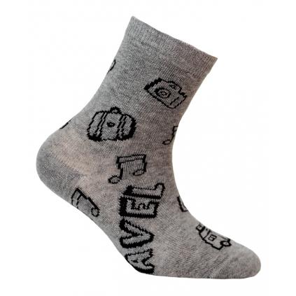 Chlapčenské vzorované ponožky WOLA TRAVEL šedé