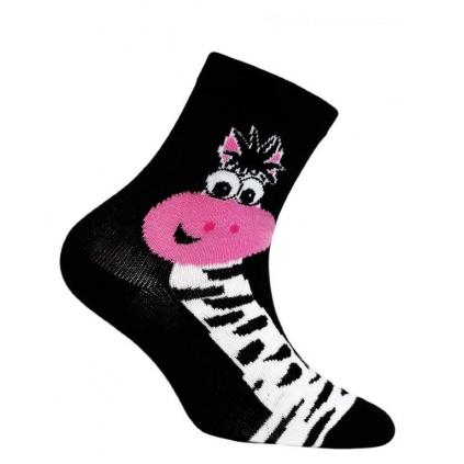 Dievčenské vzorované ponožky WOLA ŽIRAFA čierne