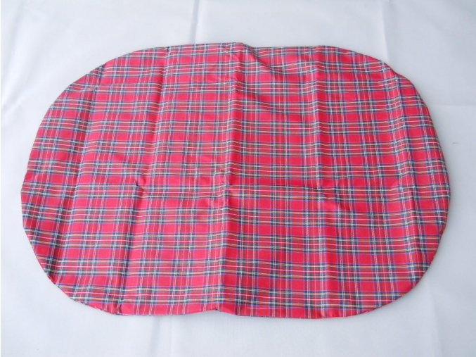 Povlak na polštář z batohoviny červená kostka
