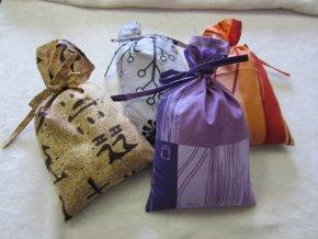 Hřejivý pytlík se lněným semínkem nebo pohankovými slupkami