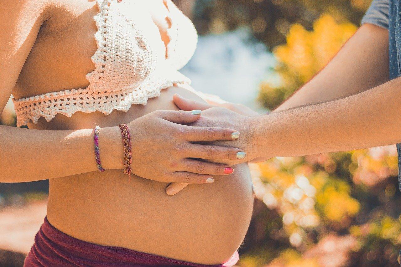 Ako prijať svoje nové telo a užívať si tehotenstvo plnými dúškami?