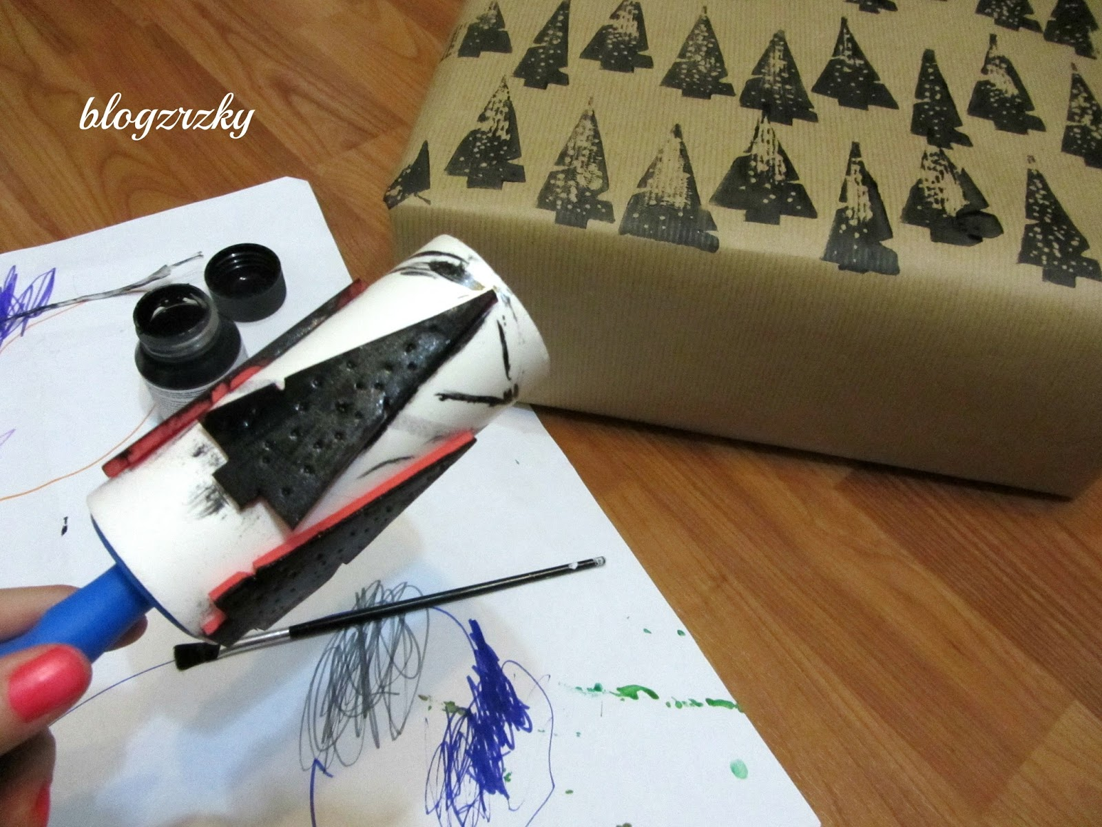 DIY Balící papír- projekt krabice od bot