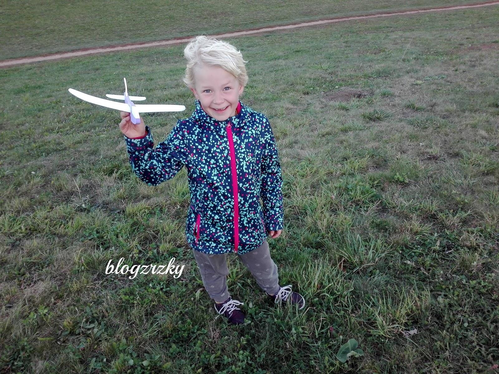 Blog Zrzky zkouší letadla FLY_POP