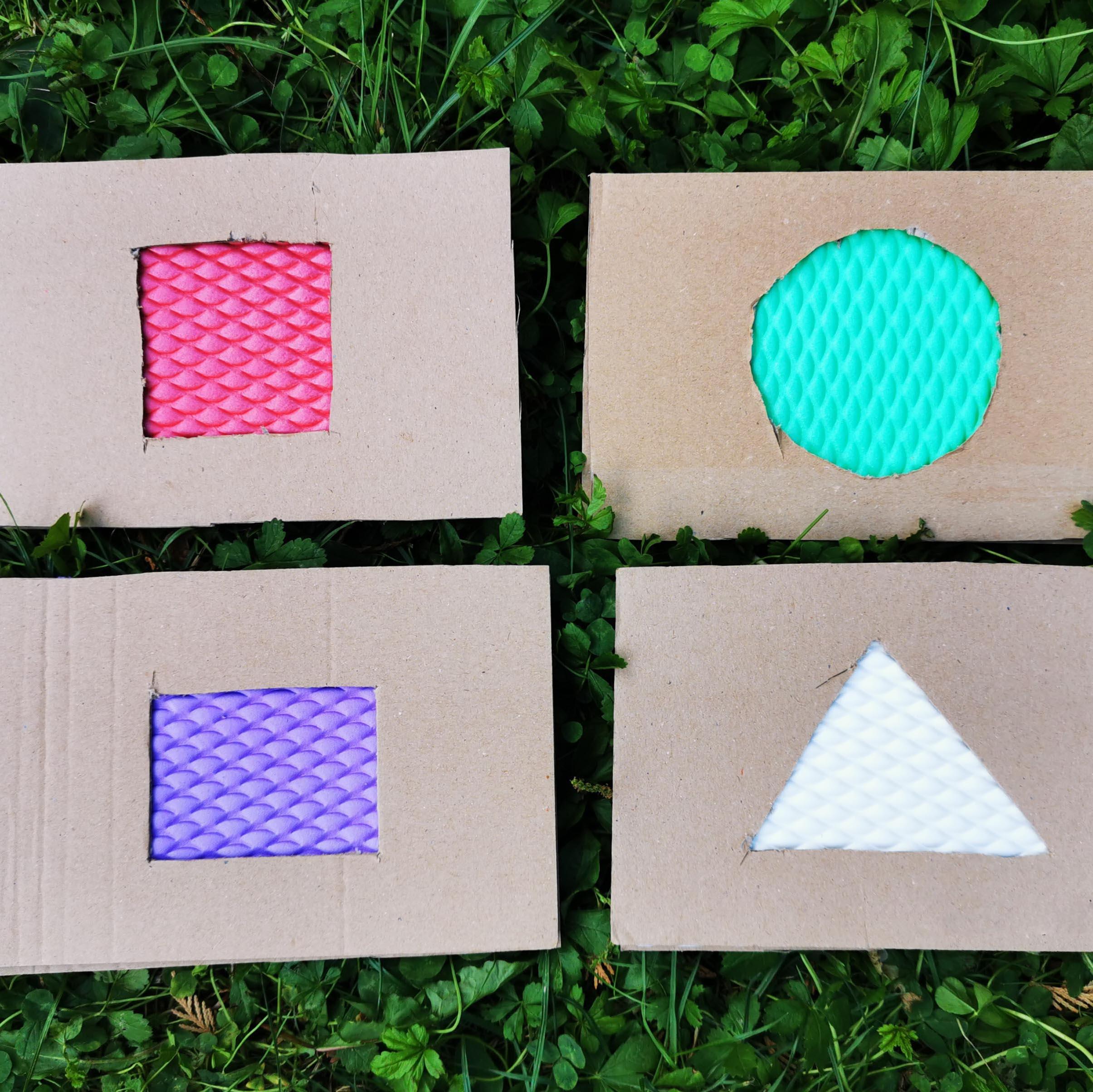 Tvoříme pro děti - HMATOVÉ KARTY: GEOMETRICKÉ TVARY