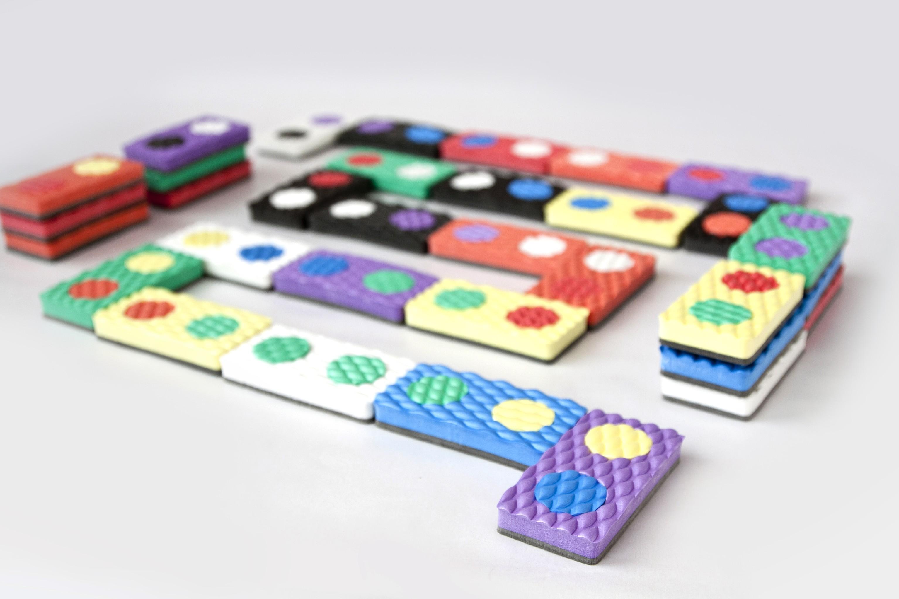 Pěnové domino - společenská hra