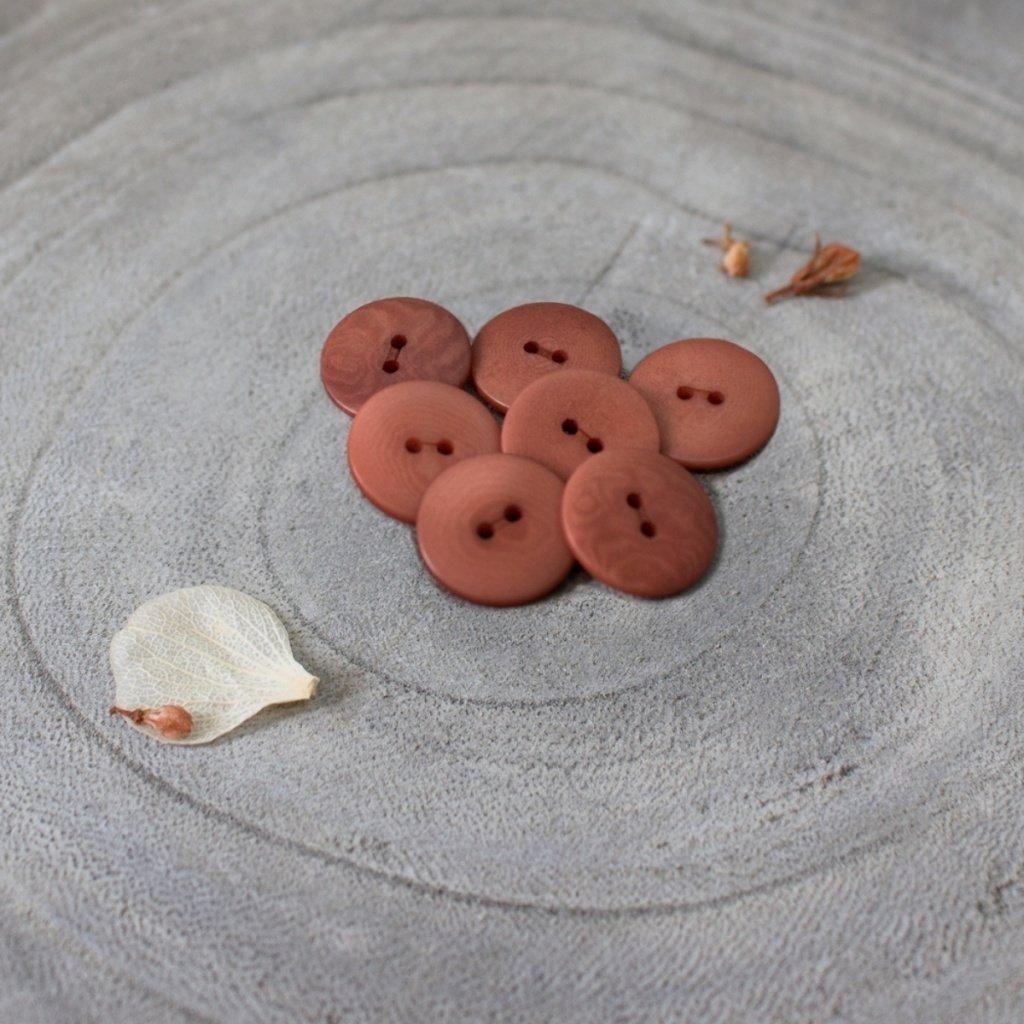 Palm Buttons Chestnut 14948