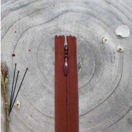 atelier-brunette-zip-skryty-20-rust