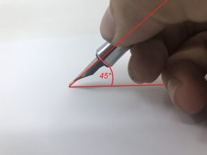 Ideální úhel pro psaní je 45°