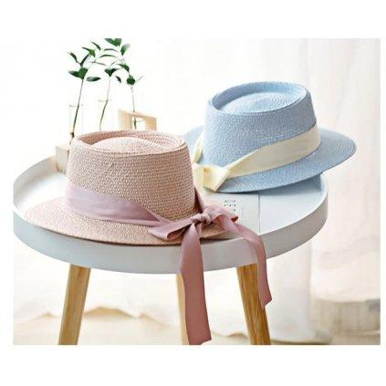 Jemný letní klobouk pro dámy zdobený lesklou stuhou (1)
