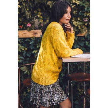 Klasický svetr z příjemného úpletu  BK038