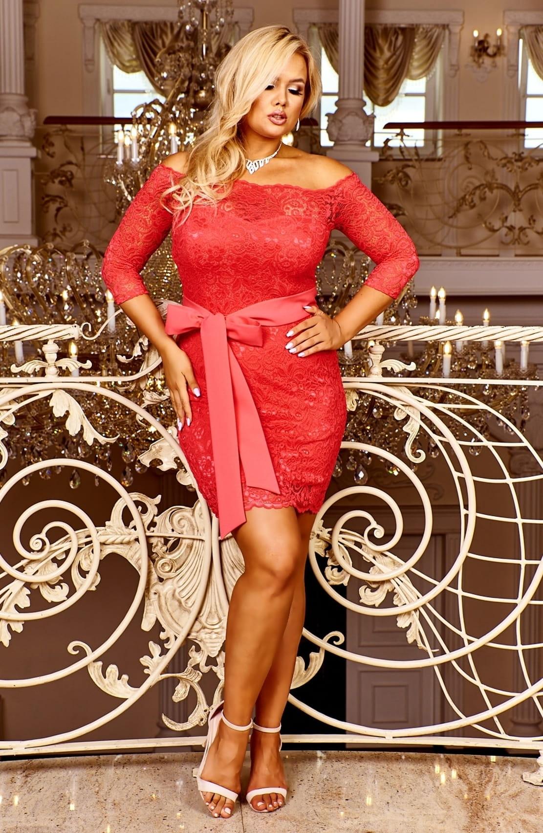 BOSCA FASHION Krajkové šaty VERONICA s odhalenými rameny a 3/4 rukávem Barva: Korálová, Velikost: S