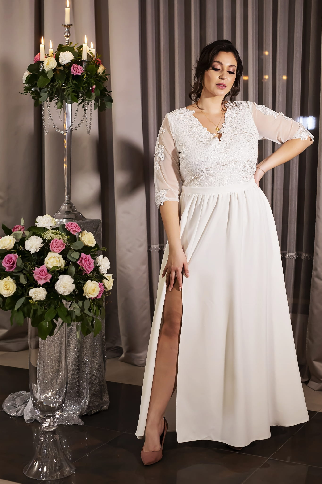 Bílé krajkové šaty pro nevěstu dlouhé 3/4 rukávy - 3XL Barva: Bílá, Velikost: 2XL